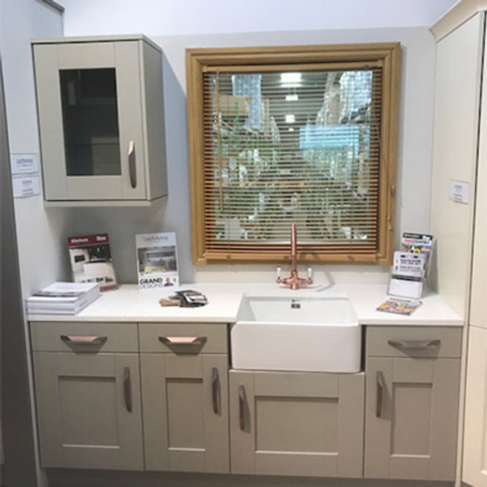 Kitchen Furniture Leeds: Stax Edinburgh A Hit With The Trade