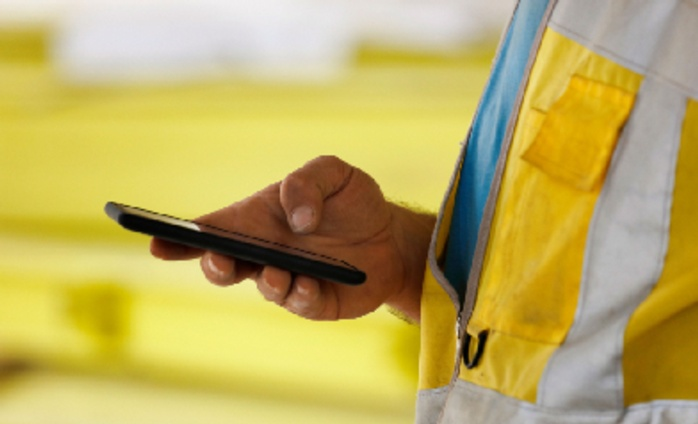 Smartphones continue to dominate online sales